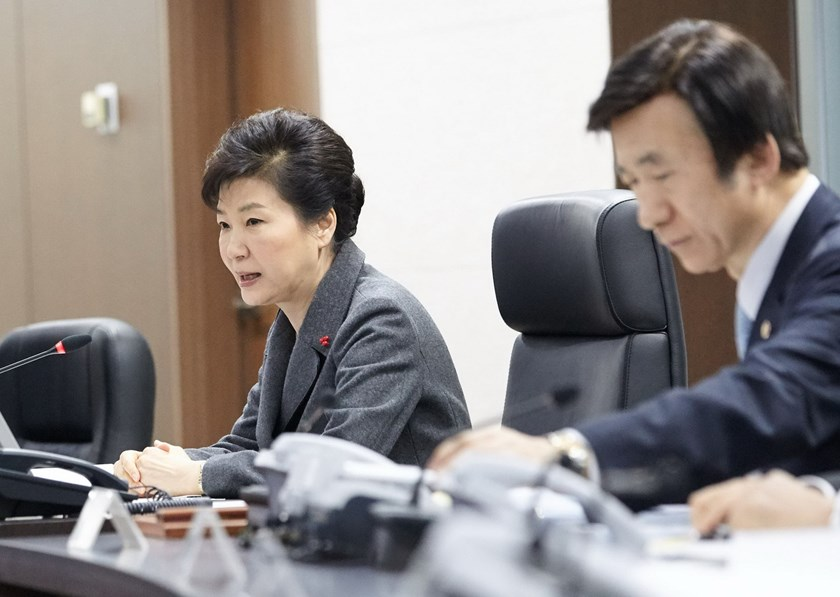 "This handout released by the Blue House shows South Korean President Park Geun-Hye (L) speaking as Foreign MInister Yun Byung-Se (R) listens during an emergency meeting of the National Security Council at the presidential Blue House in Seoul on January 6, 2016. Park slammed North Korea's shock nuclear test as a ""grave provocation"" to national security and called for ""strong"" international sanctions on Pyongyang. Photo: AFP/ Blue House"