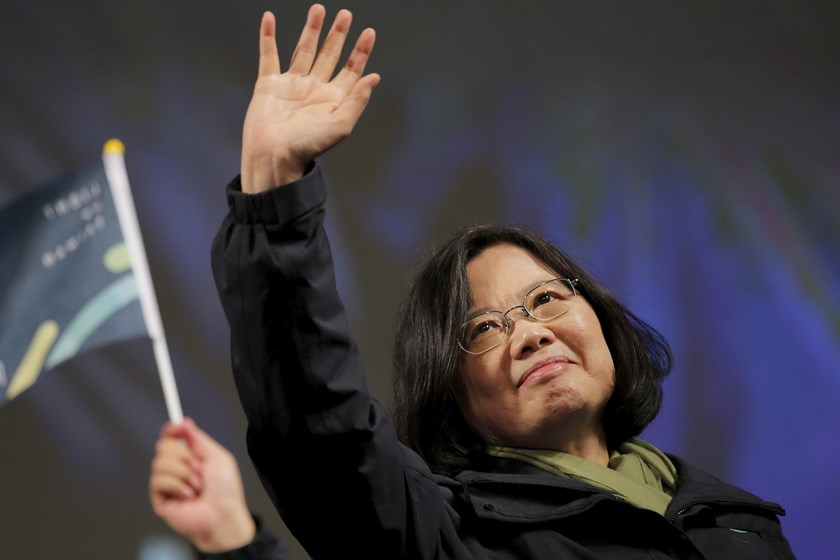 Democratic Progressive Party (DPP) Chairperson and presidential candidate Tsai Ing-wen waves to supporters as they celebrate her election victory at the party's headquarters in Taipei, Taiwan January 16, 2016. Photo: Reuters/Damir Sagolj