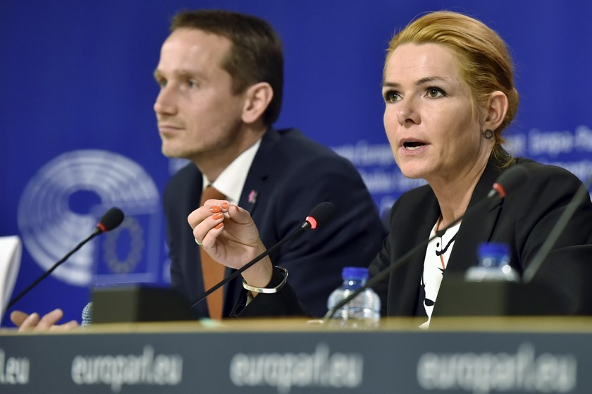 Denmark's Foreign Minister Kristian Jensen and Denmark's Immigration and Integration Minister Inger Stojberg give a news conference after a meeting on the new Danish asylum laws at the European Parliament's civil liberties committee in Brussels, Belgium, January 25, 2016. Photo: Reuters/Eric Vidal