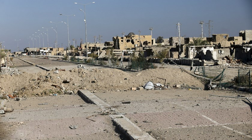 Destroyed buildings are seen in the city of Ramadi, January 16, 2016. Photo: Reuters/Thaier Al-Sudani