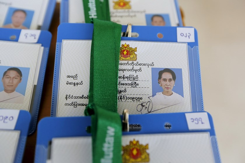 Myanmar's National League for Democracy leader Aung San Suu Kyi's identification is seen among new lawmakers before the opening of the new parliament in Naypyitaw February 1, 2016. Photo: Reuters/Soe Zeya Tun