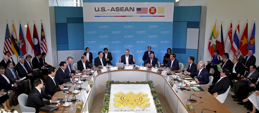 U.S. President Barack Obama makes opening remarks at the 10-nation Association of Southeast Asian Nations (ASEAN) summit at Sunnylands in Rancho Mirage, California February 15, 2016. Photo: Reuters/Kevin Lamarque