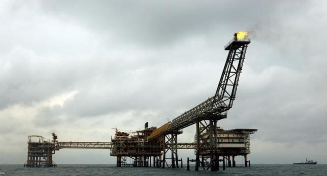 The SPQ1 gas platform is seen on the southern edge of Iran's South Pars gas field in the Gulf, off Assalouyeh, 1,000 km (621 miles) south of Tehran, in this January 26, 2011 file photo. Photo: Reuters/Caren Firouz/Files