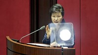 South Korean President Park Geun-hye delivers her speech during a plenary session at the National Assembly in Seoul, South Korea, February 16, 2016. Photo: Reuters/Kim Hong-Ji