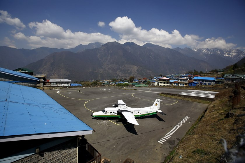 A file picture taken April 25, 2014 shows a Twin Otter aircraft belonging to Tara Air at Tenzing Hillary Airport, in Lukla, approximately 2800 meters above sea level, in Solukhumbu district, Nepal. Photo: Reuters/Navesh Chitrakar/Files