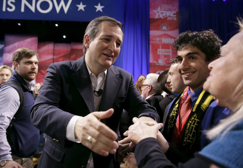 Republican U.S. presidential candidate Texas Senator Ted Cruz greets a member of the audience after speaking at the 2016 Conservative Political Action Conference (CPAC) at National Harbor, Maryland March 4, 2016. Photo: Reuters/Joshua Roberts
