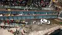 A general view of the collapsed flyover in Kolkata, India, March 31, 2016. Photo: Reuters /Rupak De Chowdhuri