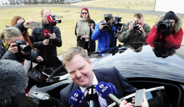 Iceland's Prime Minister Sigmundur David Gunnlaugsson speaks to media outside Iceland president's residence in Reykjavik, Iceland, April 5, 2016. Photo: Reuters/Sigtryggur Johannsson