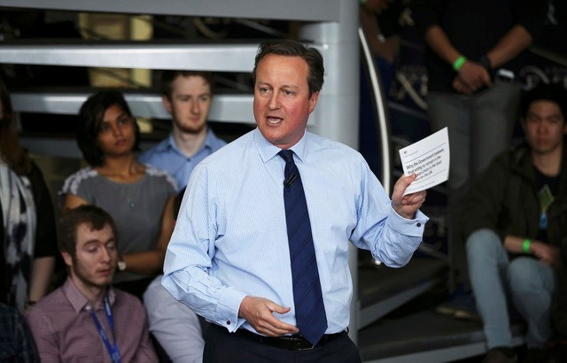 Britain's Prime Minister David Cameron addresses students at Exeter University in Exeter, Britain April 7, 2016. Photo: Reuters/Dan Kitwood/Pool