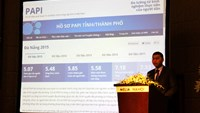 Ho Ky Minh, vice chairman of Da Nang, speaks at a conference in Hanoi on April 12, 2016. The city is one of the top PAPI performers. Photo: Thuy Linh