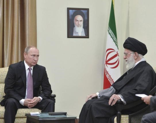 Russia's President Vladimir Putin (L), who arrived to attend the Gas Exporting Countries Forum (GECF), meets with Iran's Supreme Leader Ayatollah Ali Khamenei in Tehran, Iran, November 23, 2015. Photo: Alexei Druzhinin/Sputnik/Kremlin/File Photo via Reuters