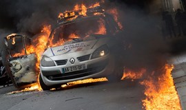 French torching patrol car fuel sense Hollande's time is ending