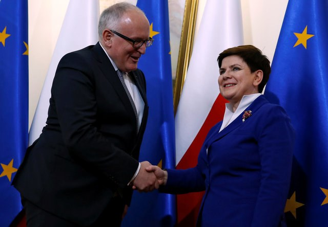 Poland's Prime Minister Beata Szydlo meets with Frans Timmermans, deputy head of the European Commission at the Prime Minister Chancellery in Warsaw, Poland May 24, 2016. Photo: Reuters/Kacper Pempel