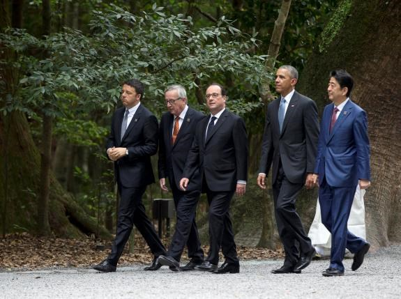 From left, Italian Prime Minister Matteo Renzi, European Commission President Jean-Claude Juncker, French President Francois Hollande, U.S. President Barack Obama and Japanese Prime Minister Shinzo Abe, walk together as they visit the Ise Jingu shrine in Ise, Mie Prefecture, Japan, on May 26, 2016, as part of the G7 Summit.Reuters/Carolyn Kaster/Pool