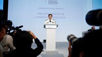 China's Joint Staff Department Deputy Chief Admiral Sun Jianguo speaks at the IISS Shangri-La Dialogue in Singapore June 5, 2016. Photo: Reuters/Edgar Su