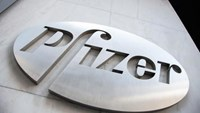 The Pfizer logo is seen at their world headquarters in New York April 28, 2014. Photo: Reuters/Andrew Kelly/File photo