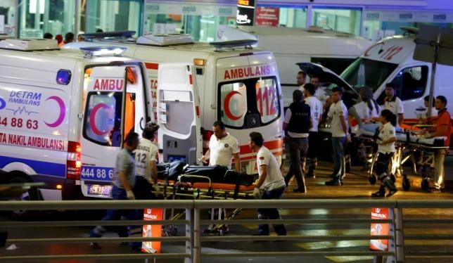 Paramedics push a stretcher at Turkey's largest airport, Istanbul Ataturk, Turkey, following a blast June 28, 2016. Photo: Reuters/Osman Orsal