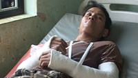 Illegal loggers brutally attack forest rangers in central Vietnam
