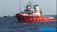 China sends armored fishing boats to ram Vietnamese ships near illegal rig