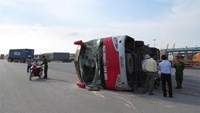 40 injured in Vietnam truck-coach collision