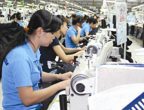 Some Chinese and Hong Kong textile and garment firms currently operating in Vietnam have announced plans to expand their business and investment in the near future