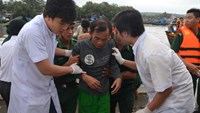 1 dead, 5 missing in fishing boat wreck in southern Vietnam