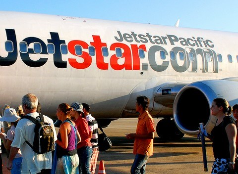 Jestar Pacific cancels flight after bird strike