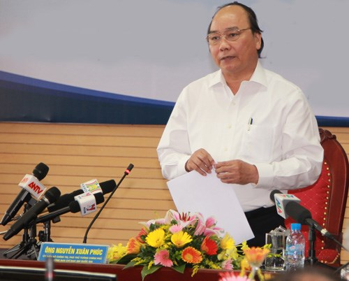 Deputy Prime Minister Nguyen Xuan Phuc speaking at a meeting with the Vietnam Customs General Department in Hanoi on July 21. Photo: Anh Vu