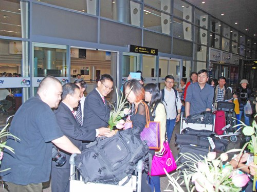 Chinese tourists at Da Nang International Airport. Photo: Nguyen Tu