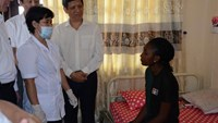 Vietnam watches Nigerian students for Ebola symptoms