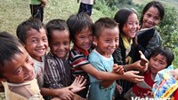 Children's smiles light up Vietnamese remote mountainous area
