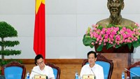 Prime Minister Nguyen Tan Dung (R) chaired a meeting on handling drug addicts in Hanoi on November 3, 2014. Photo credit: Vietnam Government Portal