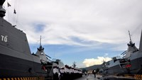 Two Vietnamese Navy frigates depart for regional visit