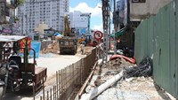 A project to upgrade Kieu Bridge on Phan Dinh Phung Street in HCMC. Photo: Dinh Muoi