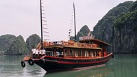 Captain, crewman arrested for stealing on Ha Long tourist boat