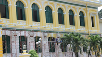 Saigon Central Post Office finally has new paint color