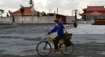 76-year-old vet begins 50-day cycling tour across Vietnam
