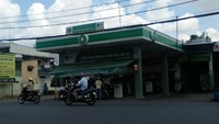Man robbed of $31,000 at HCMC filling station