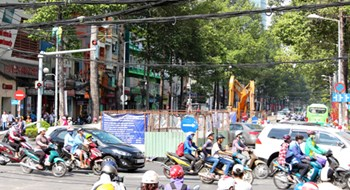 Congestion alert as HCMC plans to excavate more roads for public works
