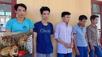 5 dog thieves detained in central Vietnam