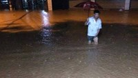 7 dead, 4 missing as typhoon Kujira hits northern Vietnam