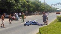 Traffic violator crashes speeding bike into policeman in central Vietnam