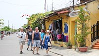 Hoi An announces free admission fees to ancient quarter, Cham Island