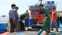 Chinese vessel sinks Vietnamese fishing boat, leaves 11 at sea off Paracels