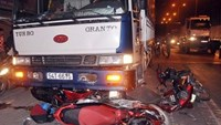 The truck that caused the crash at an intersection in Ho Chi Minh City's Binh Tan District on Tuesday evening. Photo: Ngoc Tho
