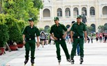 Saigon guards skate around to enforce skating ban on pedestrian street