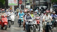 Hanoi to stop collecting road fees from motorbikes