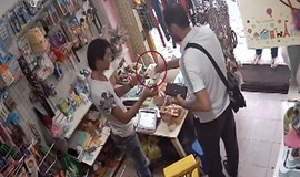 Hanoi store owner hypnotized by foreign thief?