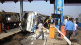 2 women escape death as truck smashes into toll booths on HCMC highway