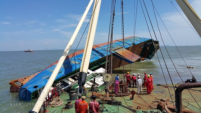 The Hoang Phuc 18 is towed to the coastal town of Vung Tau for investigation. Photos: Nguyen Long